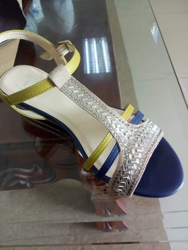 Kết cườm giày dép