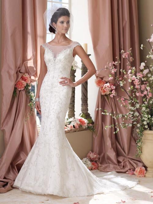 Đầm cô dâu kết cườm
